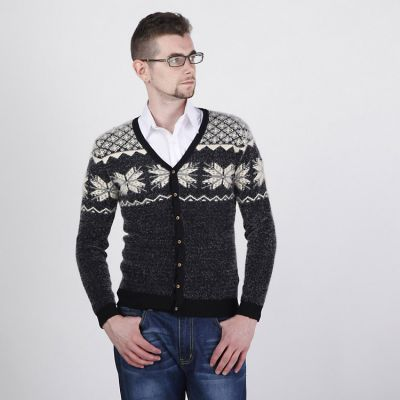 Retro Winter Fashion Cardigan for Men with Snowflake Woven Print