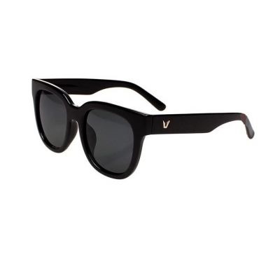 Women's Fashion Round Sunglasses with Thick Plastic Frame