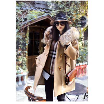 Duffle coat for woman with collar lined fur vintage buttons