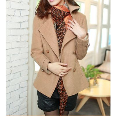 Short winter coat woman wool blend double-breasted closure