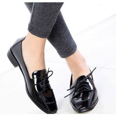 Polished PU Leather Classic Shoes for Women with Square Tip