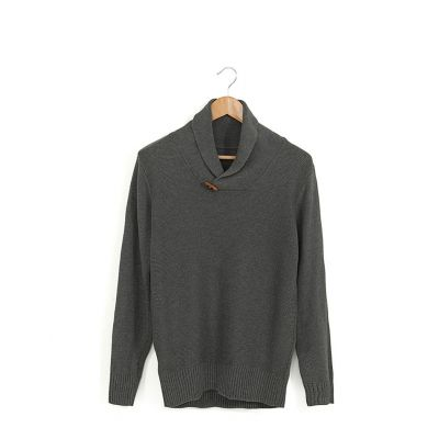 Fashion jumper for men with crossover collar and wood details