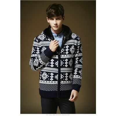 Retro Winter Wool Zip up Jumper for Men with Inside Fur Snowflakes Print