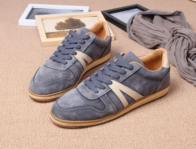 Retro Low Top Sneakers for Men with old School Side Stripe