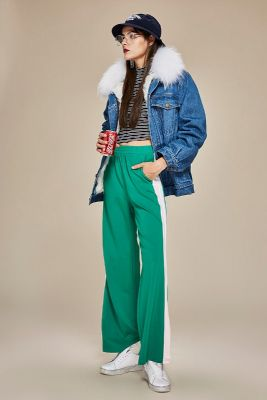 Jeans jacket for women with fur collar and inner wool lining