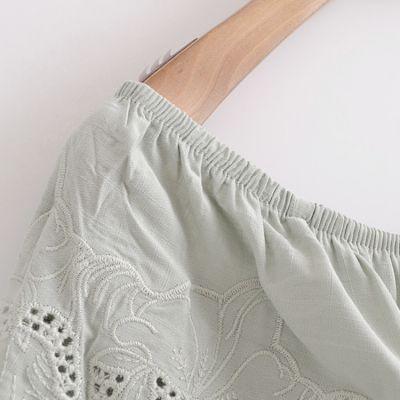 Combishort menthe pastel pour femme avec col volant et bordures dentelle