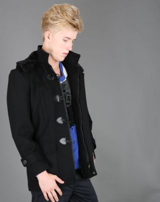 Men's duffle coat with vintage buttons and fur lined hood