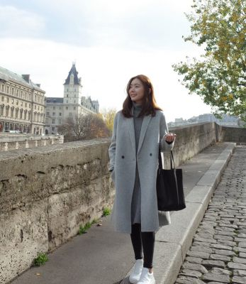 Classic coat for women with single button gray
