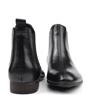 Men real leather boots with black sole