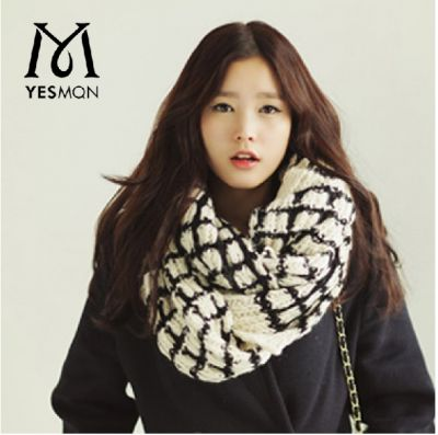 Fashion winter scarf pattern with square end