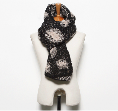 Scarf for man with big circle knitted