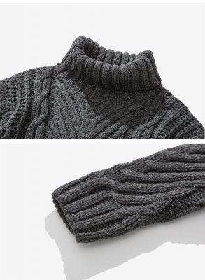 Oversized wool turtleneck sweater for men with thick knit