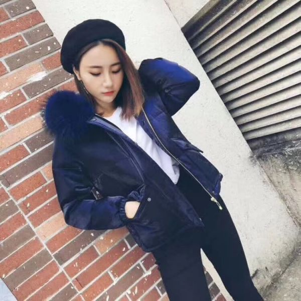 Short jacket in velvet glossy padded for woman with fur hood