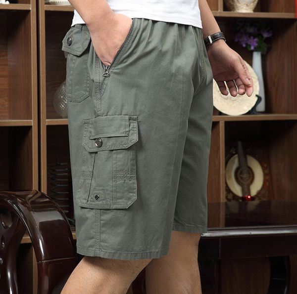 Men's shorts with single side pocket and elastic waist